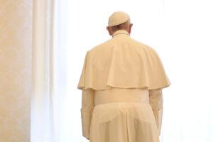 """Πάπας: Έξαλλος με Τραμπ για την """"Μητέρα όλων των βομβών""""!"""