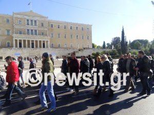 Καζίνο Πάρνηθας: Ένταση ανάμεσα στους εργαζόμενους και αντιπρόσωπο του ΣΥΡΙΖΑ [pics, vids]