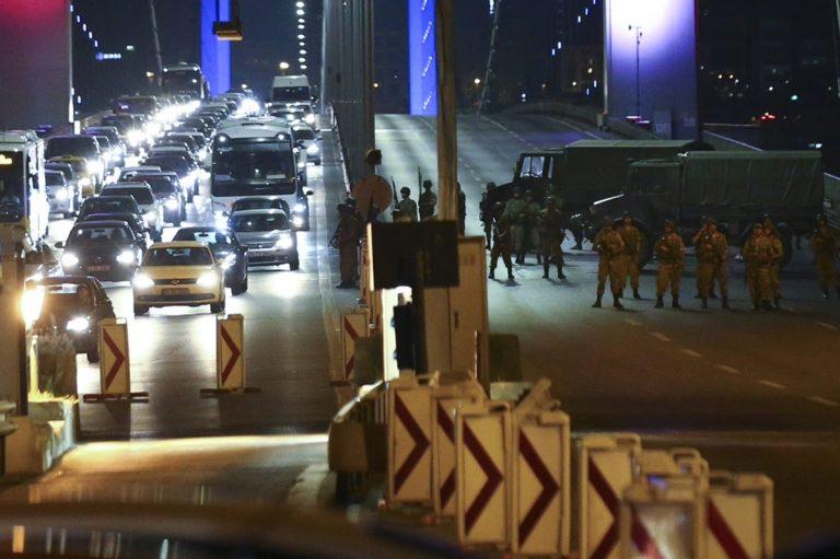 Ισόβια σε πιλότους F-16 και πολίτες για την απόπειρα πραξικοπήματος στην Τουρκία