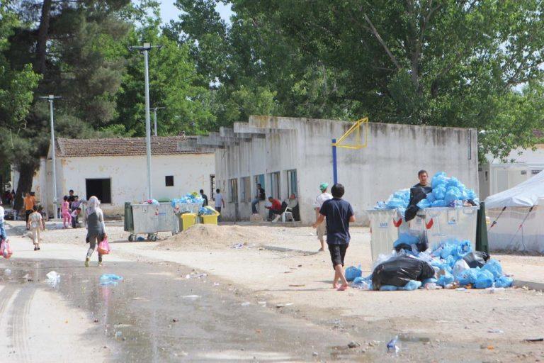 """Επτά παιδάκια και μια κοπέλα με Ηπατίτιδα Α στο κέντρο μεταναστών της Νέας Καβάλας! – """"Δε μπορούμε να τα αντιμετωπίσουμε με ασφάλεια""""!"""