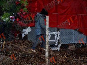 Εικόνες ντροπής στη Μαλακάσα – Μικρά παιδιά ψάχνουν ξύλα για να ζεσταθούν