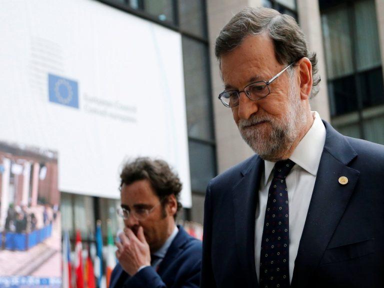 Ο Μαριάνο Ραχόι αρχίζει τις συνομιλίες με τα άλλα κόμματα για τον σχηματισμό κυβέρνησης