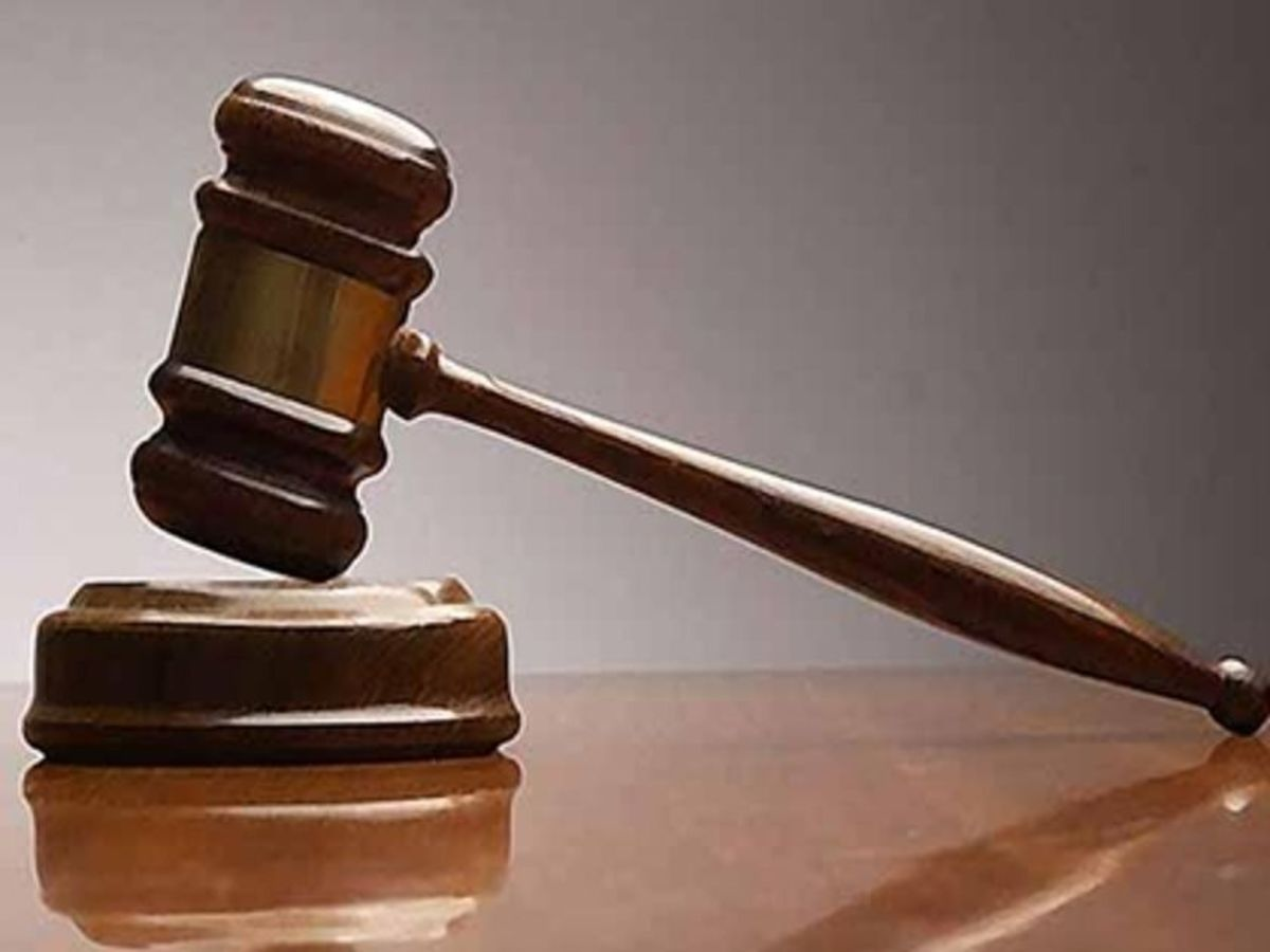 Κορονοϊός: Είναι έγκλημα να βήχεις στο πρόσωπο κάποιου; Το δικαστήριο αποφασίζει
