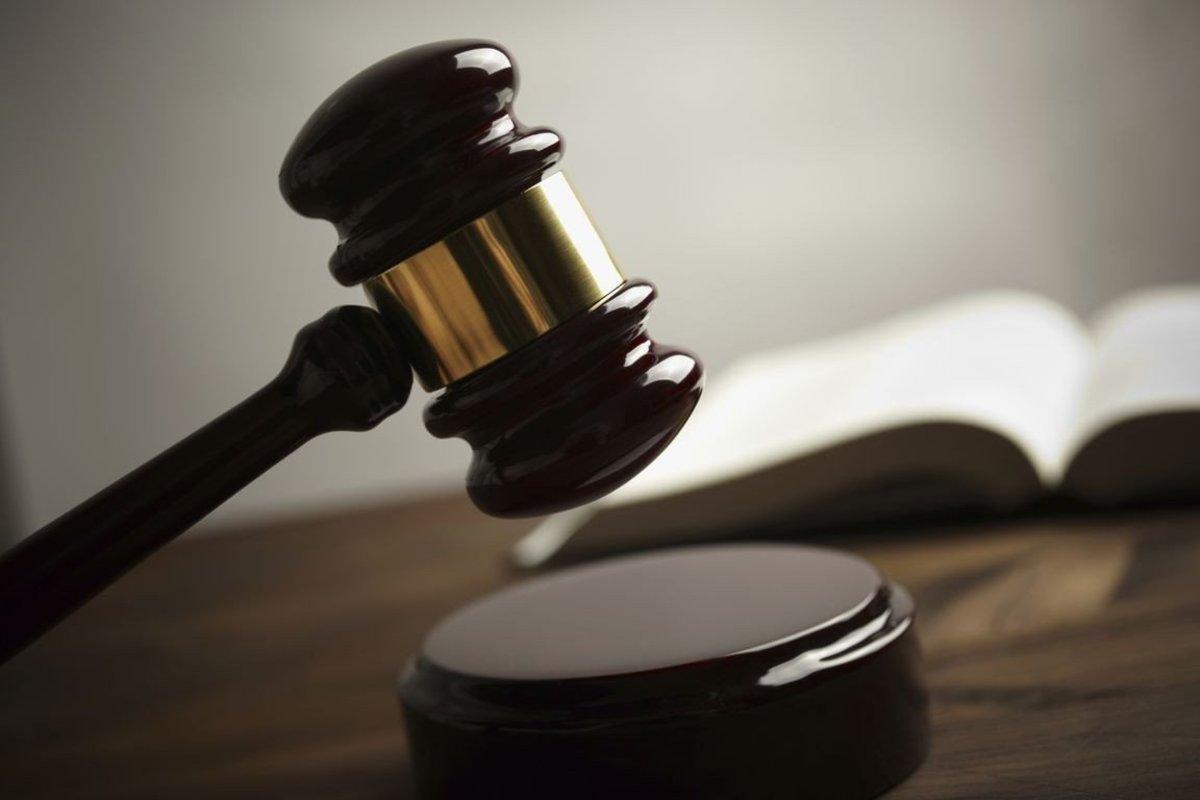 Ποινές φυλάκισης σε Μητρόπουλο και Ριαβόγλου