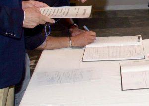 Υπογράφηκε στο δημαρχείο Θεσσαλονίκης το πρώτο σύμφωνο συμβίωσης ομόφυλου ζευγαριού