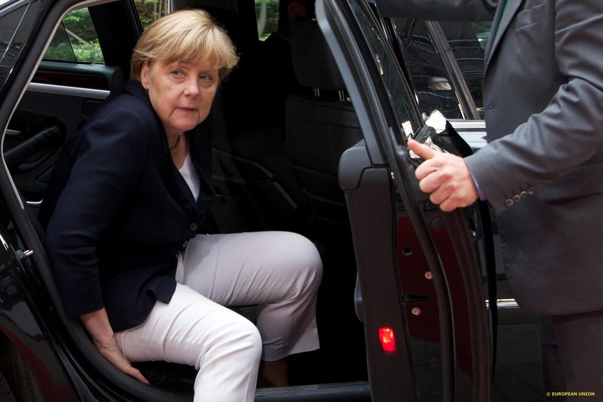 Μέρκελ μετά τη Σύνοδο Κορυφής: Η Ελλάδα χρειάζεται ένα πολυετές πρόγραμμα