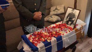 Συγκίνηση! Η ελληνική γη αγκάλιασε τους ήρωες που πολέμησαν στην τουρκική εισβολή στην Κύπρο [pics, vid]
