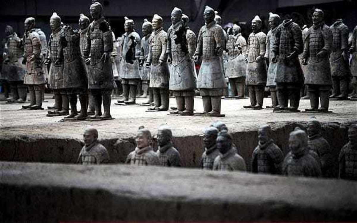 Συγκλονιστική αρχαιολογική ανακάλυψη! Τον Πήλινο Στρατό του Πρώτου Αυτοκράτορα της Κίνας τον έφτιαξαν αρχαίοι Έλληνες!