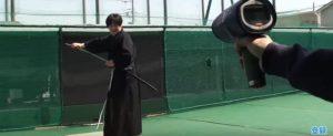 Αυθεντικός Σαμουράι κομματιάζει με το σπαθί του μπαλάκι του baseball με φόρα 100 μιλίων! [vid]