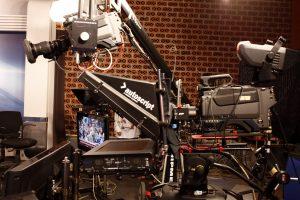 Τηλεοπτικές άδειες: Καυτό παρασκήνιο μεταξύ υπερθεματιστών και μη