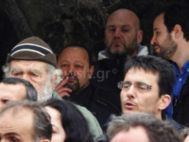 """Αρτέμης Σώρρας: """"Δεν κρύβεται, φοβάται για τη ζωή του"""" λέει ο δικηγόρος του!"""