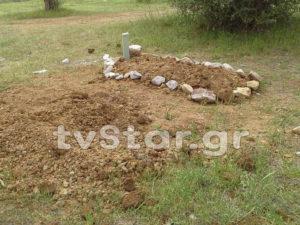 """Βοιωτία: Μυστήριο με """"φρέσκους"""" τάφους μέσα σε χωράφι! [vid]"""