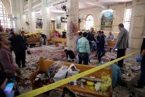 """""""Μαύρη Κυριακή""""! Βομβιστικές επιθέσεις σε χριστιανικές εκκλησίες στην Αίγυπτο – Καμικάζι ανατινάχθηκε έξω από εκκλησία στην Αλεξάνδρεια"""
