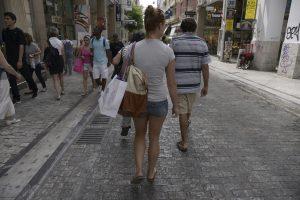 Ανοιχτά μαγαζιά την Κυριακή αλλά όχι σε Αθήνα και Θεσσαλονίκη