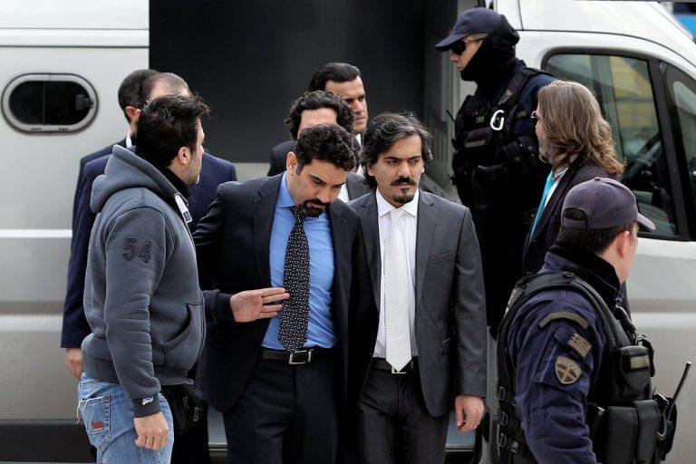 Κρατούμενοι για λόγους εθνικής ασφαλείας οι 8 Τούρκοι αξιωματικοί