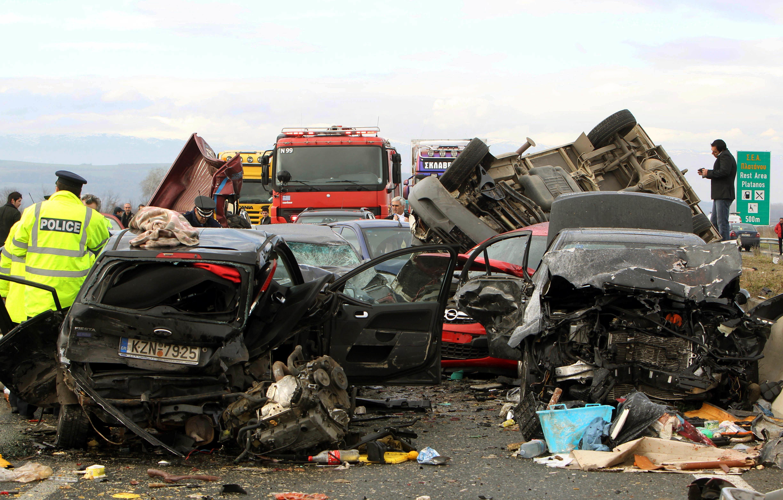Μείωση των θανάτων από οδικά ατυχήματα κατά 44% στην Ελλάδα