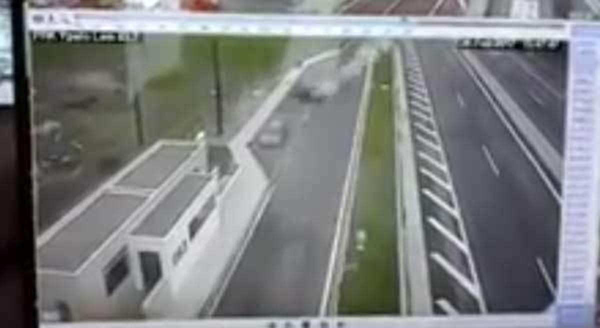 Τροχαίο Αθηνών – Λαμίας: Η μαύρη σκιά κάτω από την Porsche – Τρία βίντεο στα χέρια της αστυνομίας