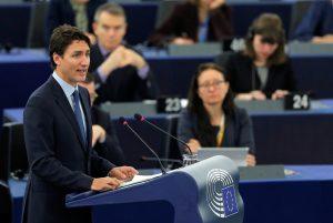 Αποθέωσε την ΕΕ και αποθεώθηκε – Ο Τριντό μάγεψε στο ευρωκοινοβούλιο