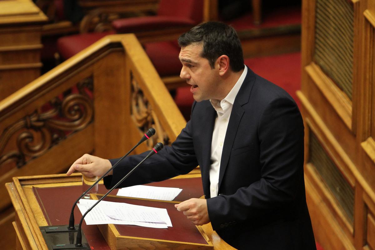 """Η απόλυτη στήριξη Τσίπρα στους δύο υπουργούς για τα """"προβληματικά"""" πόθεν έσχες – Δεν υπάρχουν νέα μέτρα"""