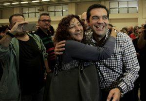 Συνεδριο ΣΥΡΙΖΑ: Με συντριπτικό ποσοστό και πάλι πρόεδρος ο Τσίπρας – Μόλις 210 σύνεδροι δεν τον ψήφισαν – Τη Δευτέρα η νέα ΚΕ