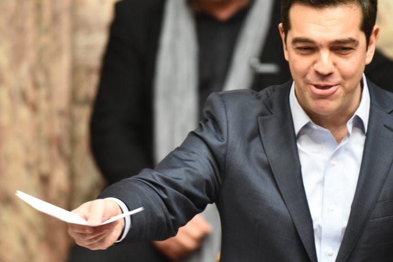 """Κύκλοι κυβέρνησης: Η ΝΔ διακινεί ψεύτικες """"ειδήσεις"""" για δημοψήφισμα!"""