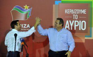 """Αποτελέσματα εκλογών 2015: Οι """"σύντροφοι"""" Τσίπρας – Καμμένος πιάνουν δουλειά με το… καλημέρα – Ποιοι """"προβάρουν"""" το υπουργικό κοστούμι"""