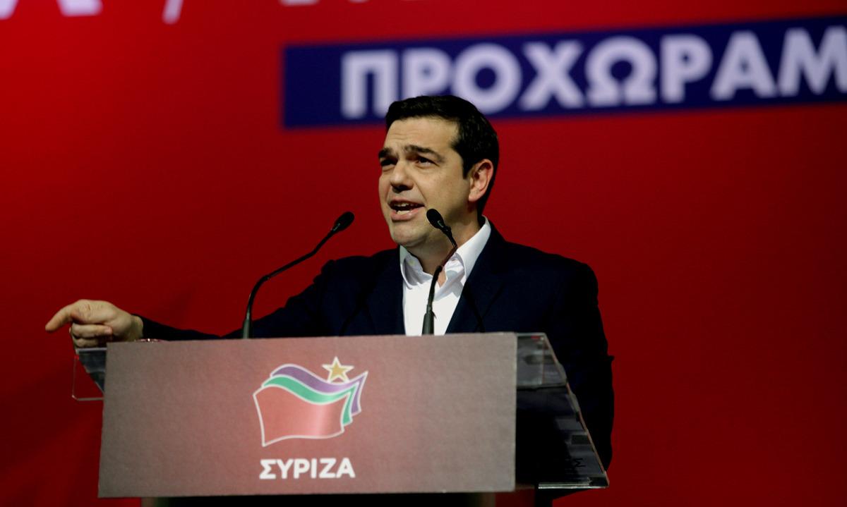 """Πολωτικός Τσίπρας στον ένα χρόνο ΣΥΡΙΖΑ – """"Διαίρει και βασίλευε"""" για τα μπλόκα των αγροτών – Προσωπική επίθεση στον Μητσοτάκη και τις… γραβάτες"""