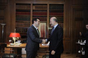 Μοσκοβισί: Χρειαζόμαστε το ΔΝΤ στο ελληνικό πρόγραμμα – Ανοιχτό το ενδεχόμενο για νέα μέτρα