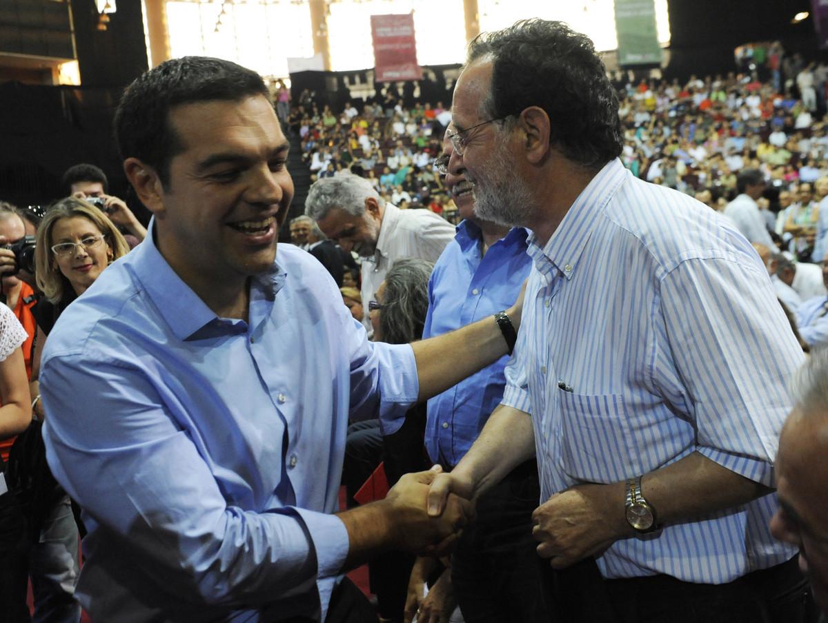 """""""Μπαϊράκι"""" από 109 μέλη της Κ.Ε. του ΣΥΡΙΖΑ: Ζητούν να καταψηφιστεί η συμφωνία"""
