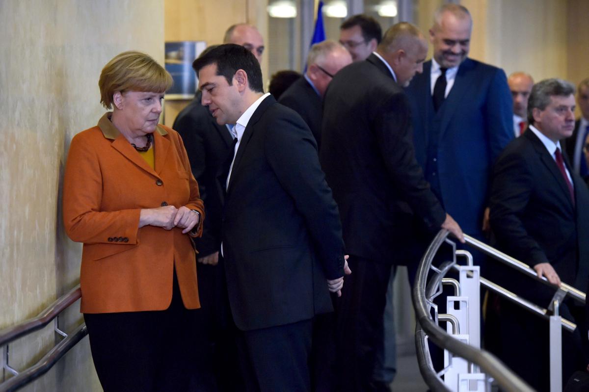 Τσίπρας σε Μέρκελ: Άνγκελα, κάνε το χρέος σου! Λαγκάρντ: Εγώ είπα στον Σόιμπλε πως παίζει με τη φωτιά