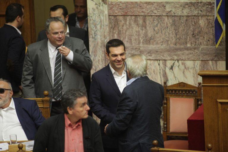 Υπερψηφίστηκε το πολυνομοσχέδιο αλλά με 154 ψήφους – «Γρατζουνιά» στην κυβέρνηση από τις αρνητικές ψήφους του Νικολόπουλου