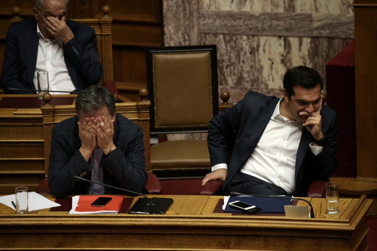"""Βουλή: Πέρασαν μέτρα και αντίμετρα με 153 """"ναι"""" – """"Μήνυμα"""" Τσίπρα στους δανειστές: """"Τώρα η σειρά σας"""""""