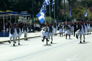 Παρέλαση 25ης Μαρτίου: Ρίγη συγκίνησης, υπερηφάνεια, γκάφες και… απρόοπτα!