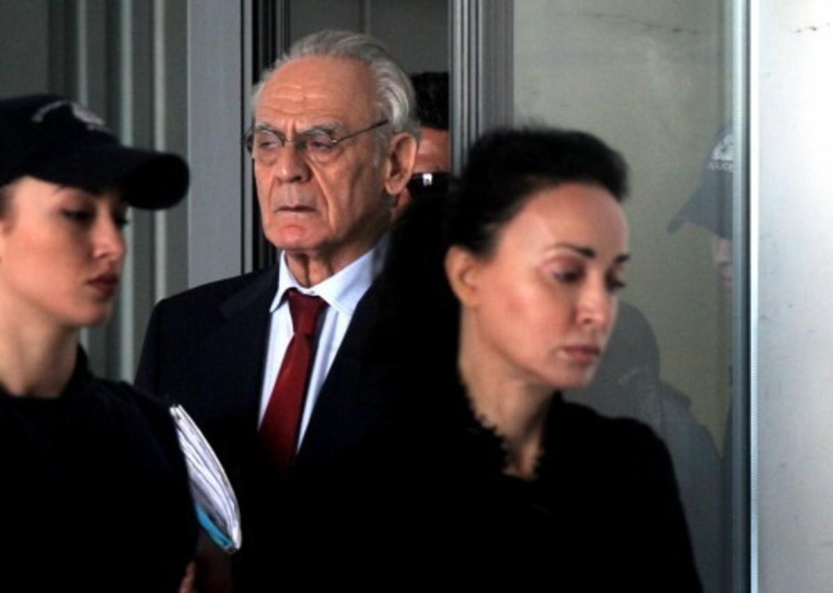 Στη Βουλή η δικογραφία με τις καταγγελίες της Βίκυς Σταμάτη για εκβιασμό από τον Γ. Παπανδρέου
