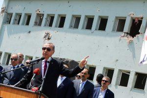 """""""Ντου"""" της τουρκικής αστυνομίας σε νοσοκομείο – Ερντογάν: Το σενάριο του πραξικοπήματος γράφτηκε στο εξωτερικό"""