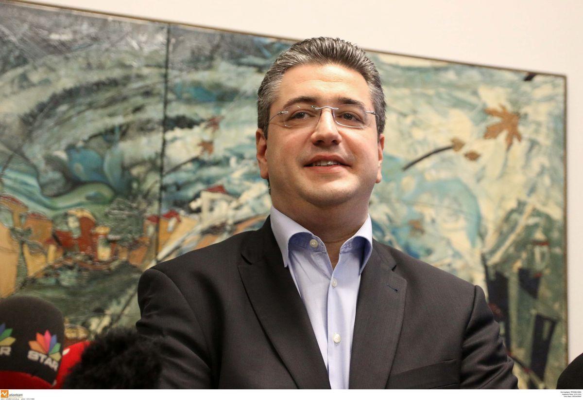Θεσσαλονίκη: Αποθεώνει τον Απόστολο Τζιτζικώστα η Ούρσουλα φον ντερ Λάιεν!