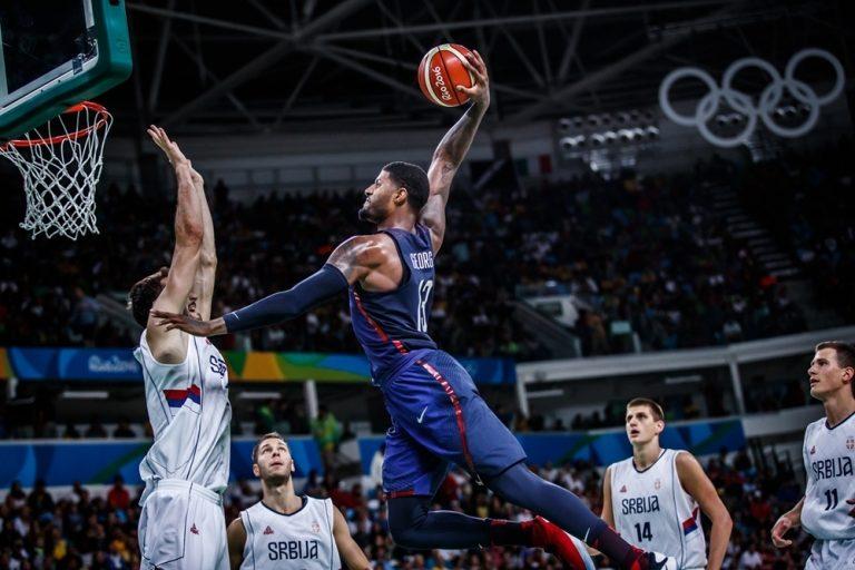 """Τελικός Μπάσκετ Ρίο: Dream Team! """"Χρυσές"""" ΗΠΑ, διέλυσαν τη Σερβία"""