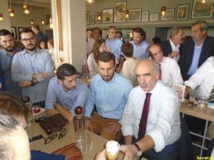 Ο Μεϊμαράκης σε καφετέρια της Κοζάνης απόλαυσε το… καφεδάκι του – ΦΩΤΟ & ΒΙΝΤΕΟ