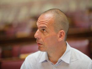 Στα χέρια της Κωνσταντοπούλου οι δικογραφίες για τον Βαρουφάκη – Η Βουλή θα αποφασίσει για την παραπομπή του στο Ειδικό Δικαστήριο