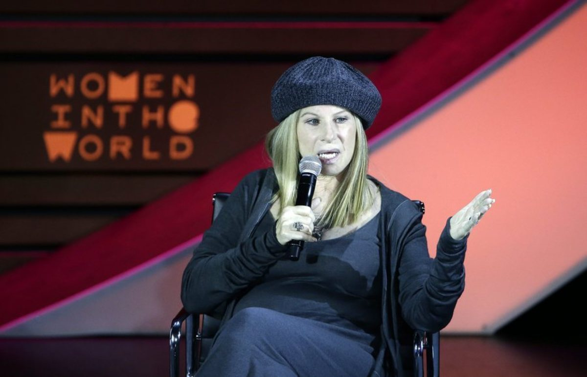 Barbra Streisand: Ο Τραμπ φταίει που πάχυνα!