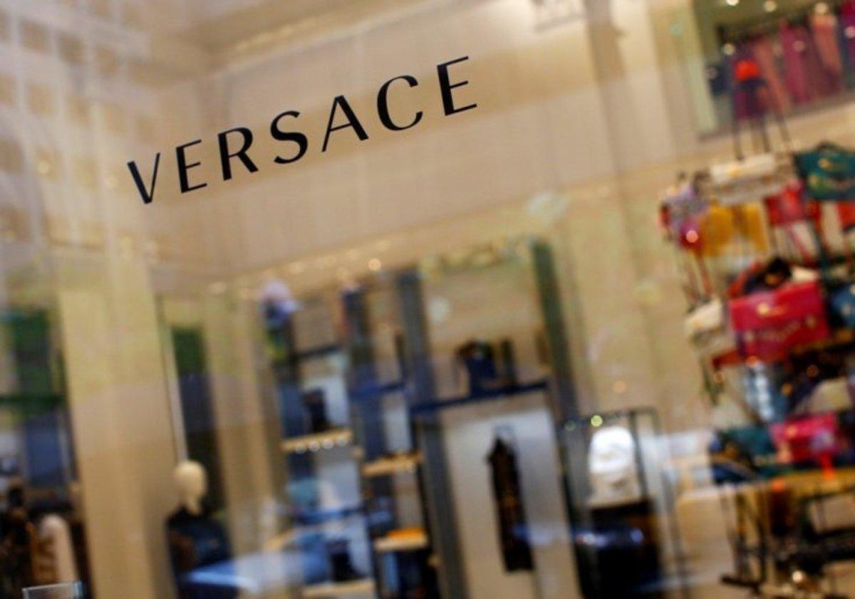 """Κωδικός D410 """"καίει"""" τον Versace!"""
