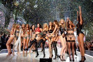 Κόλασαν οι Άγγελοι της Victoria' s Secret [pics]