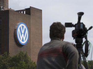 Volkswagen: Η πρώτη αγωγή από μεγάλο γερμανό πελάτη της
