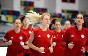 """Ολυμπιακός – Μπούρσα: Έτοιμες να γράψουν ιστορία οι """"ερυθρόλευκες"""" [vids]"""