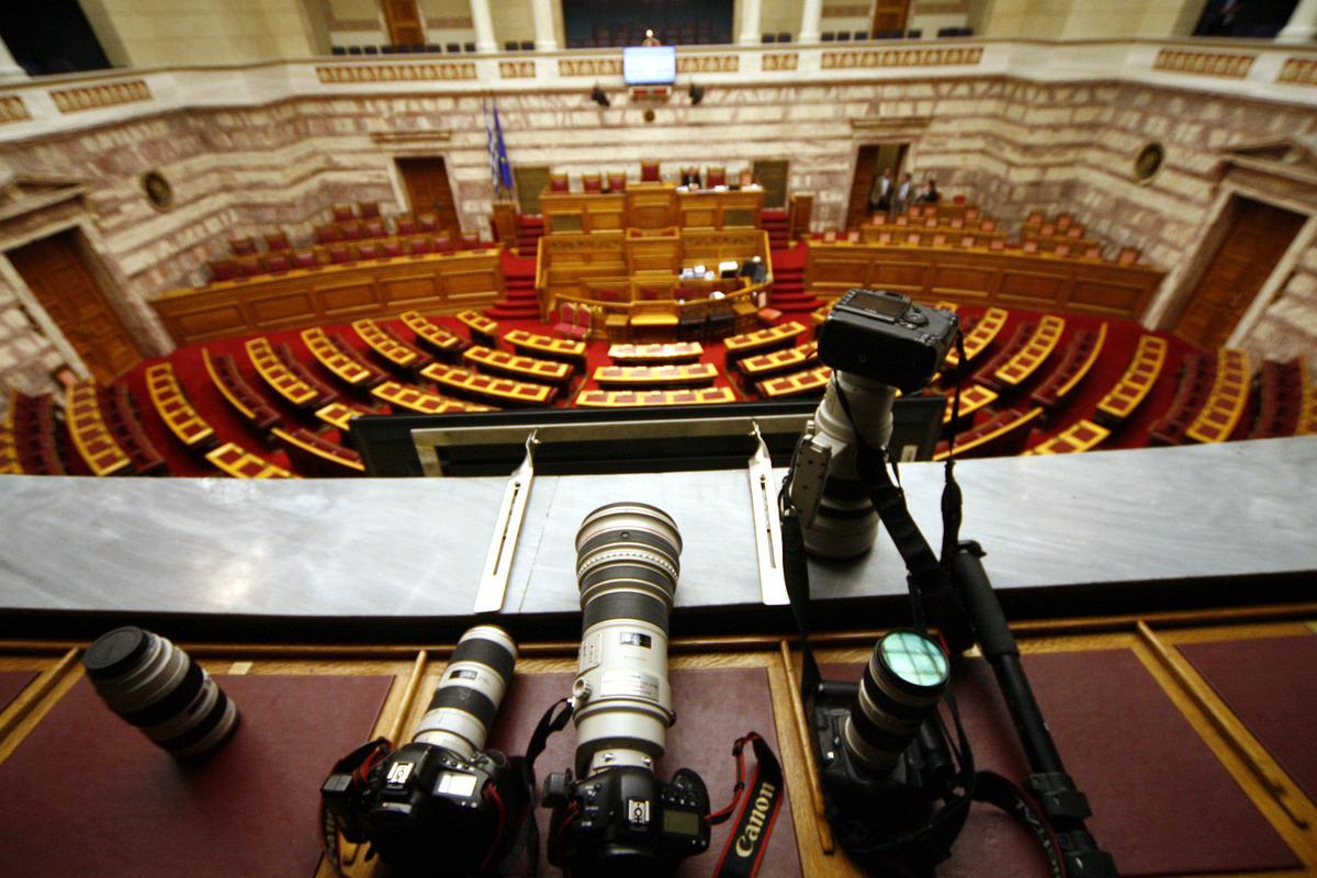 Οι σαρωτικοί έλεγχοι της κυβέρνησης στα ΜΜΕ