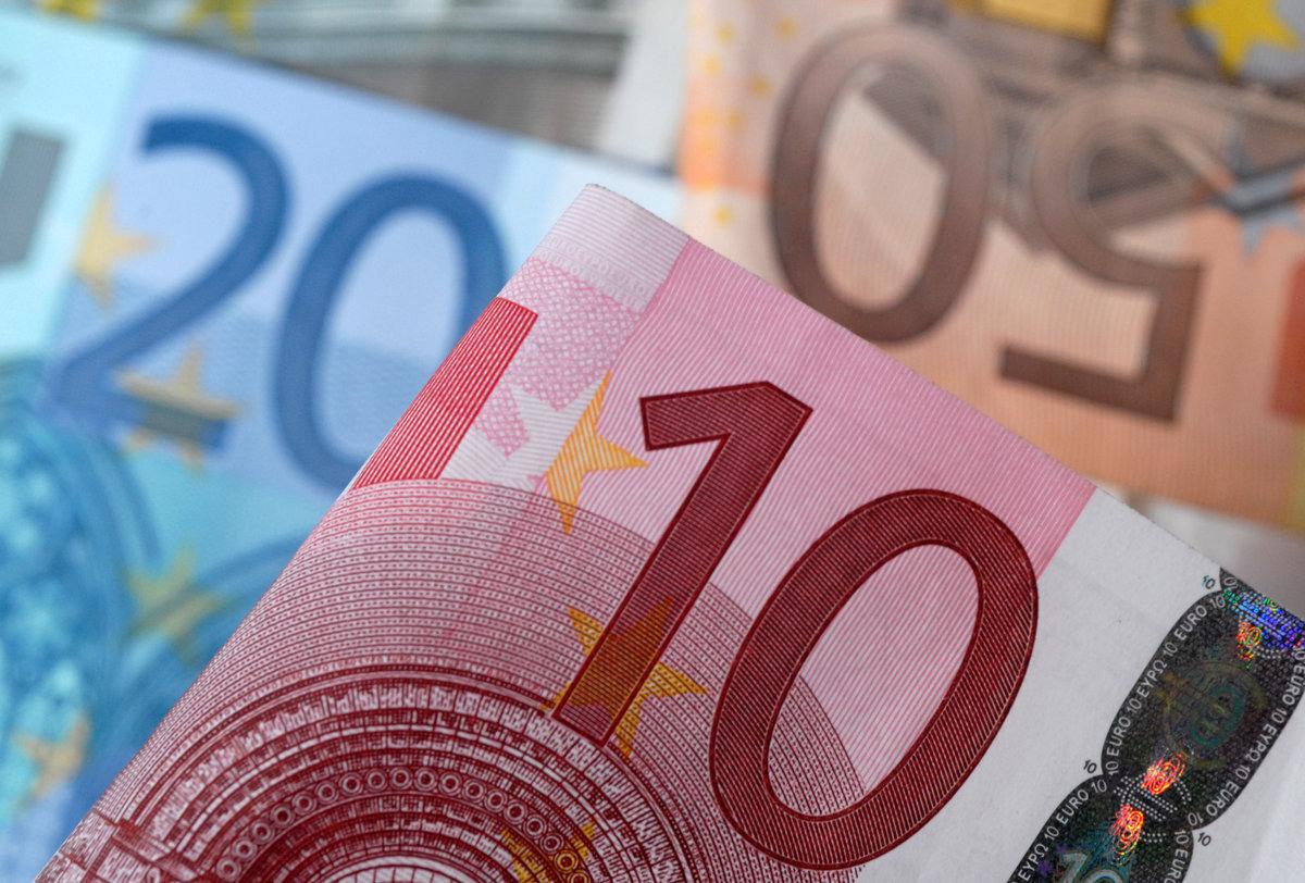 Γαλλική τράπεζα: Δεν είναι δυνατόν να ζητούνται νέοι φόροι στην Ελλάδα