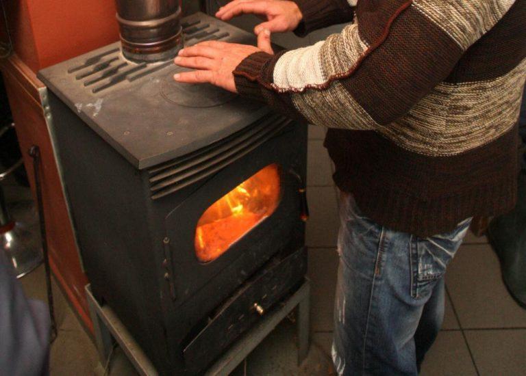 Σέρρες: Η σόμπα που άναψε για να ζεσταθεί μετατράπηκε σε παγίδα θανάτου – Πέθανε με τρόπο μαρτυρικό (video)