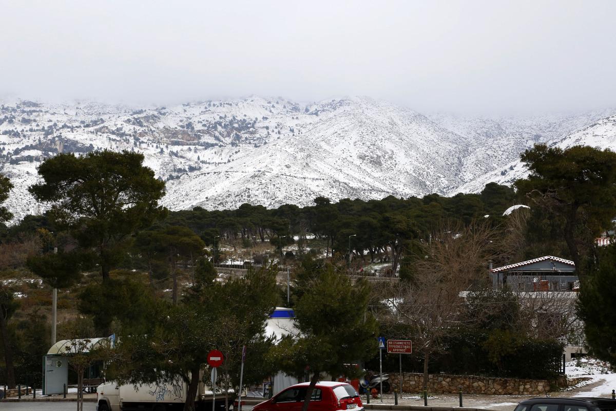 """Καιρός: Χιονιάς """"εξπρές"""" από το απόγευμα – Μεγάλη πτώση της θερμοκρασίας"""