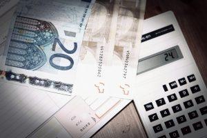 Τέσσερις νάρκες απειλούν τον προϋπολογισμό