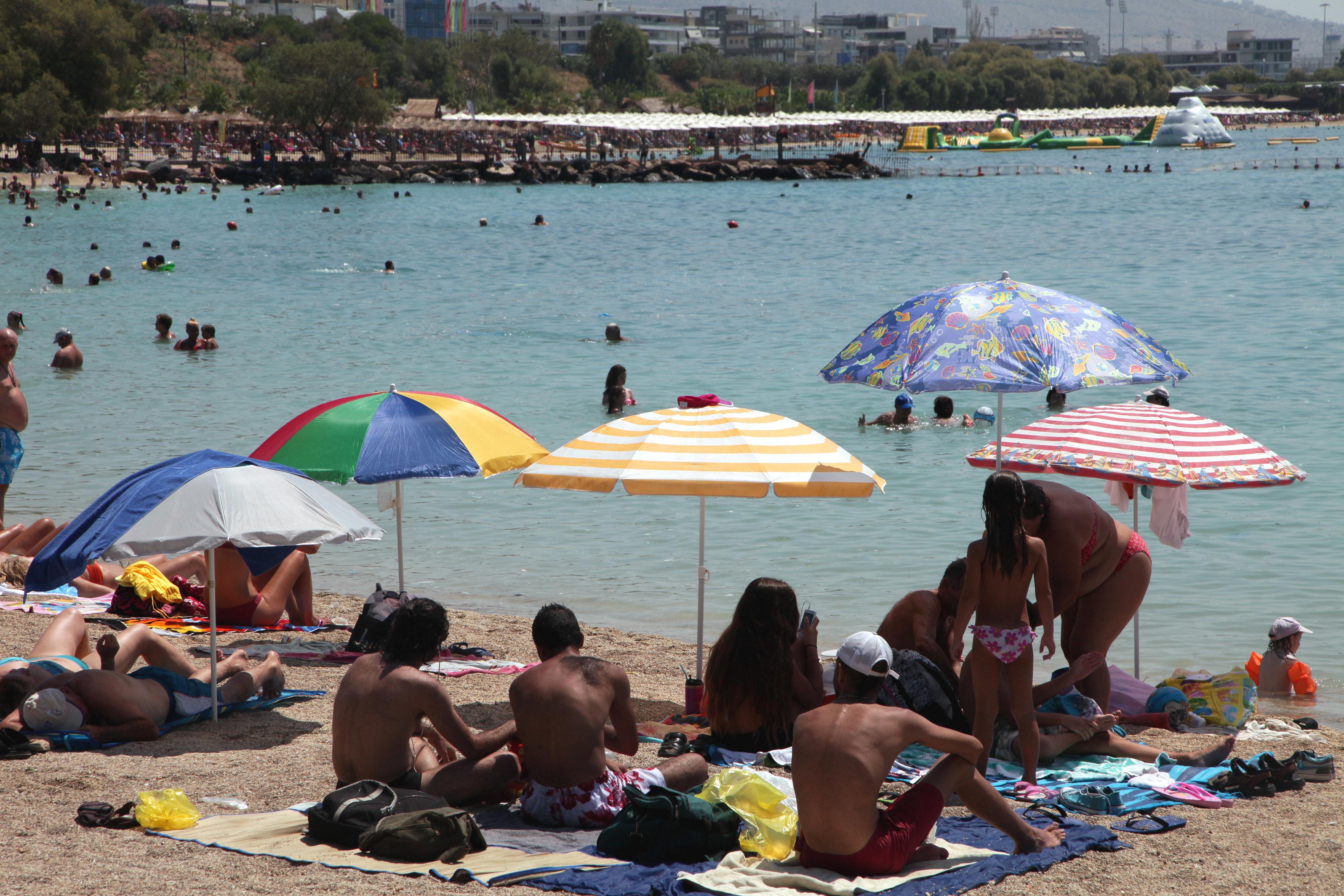 Καιρός: Κλίμα τροπικό σήμερα (18/08) με ζέστη και καταιγίδες